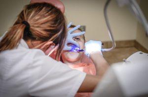 """טיפולי שיניים לילדים: המרפאה של ד""""ר לם יכולה לעזור לכם"""